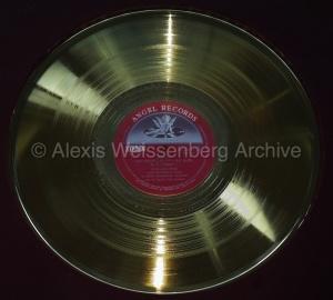 1977 Gold Disc Award EMI Japan 1   copiawmk