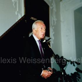 1994 in Engelberg talking to the audience